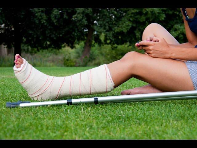 Травма ноги у человека