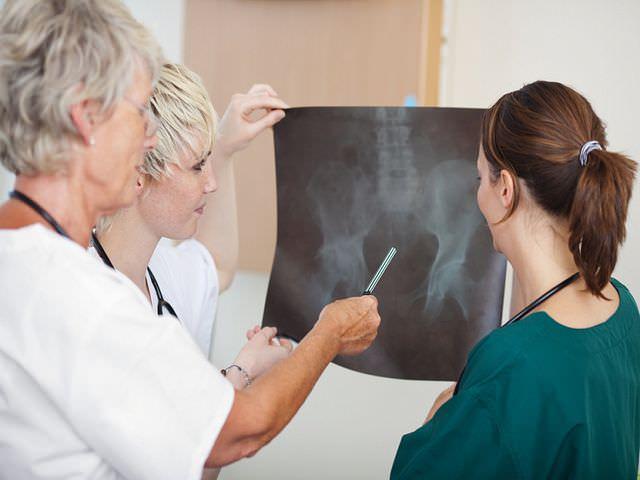 нарушение целостности тазобедренной кости
