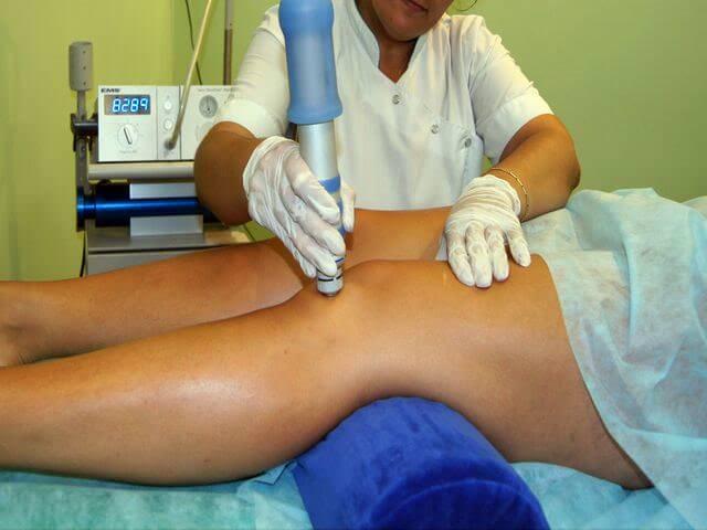 Физиотерапевтические процедуры для лечения растяжения