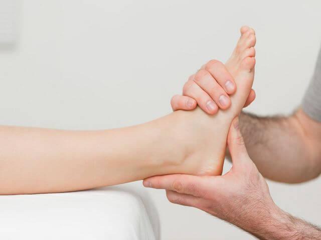 Лечебный массаж для восстановления функционирования стопы