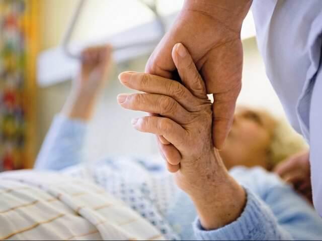 Чрезвертельный перелом бедра у пожилых людей вставать