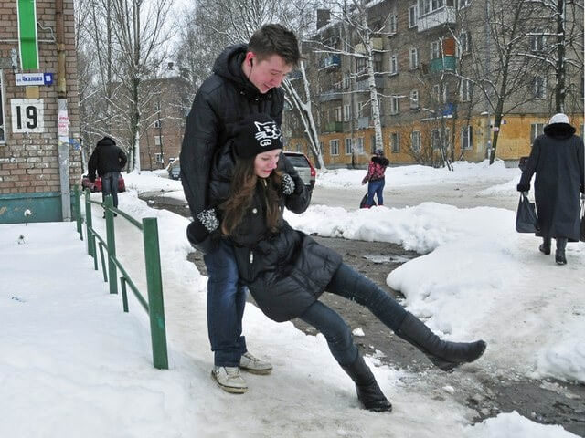 Падение на льду