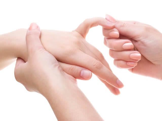 как определить перелом мизинца на руке