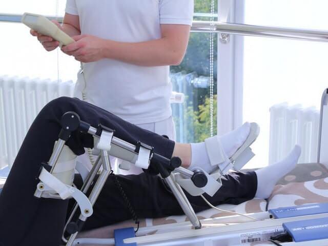 как долго длится реабилитация после эндопротезирования коленного сустава