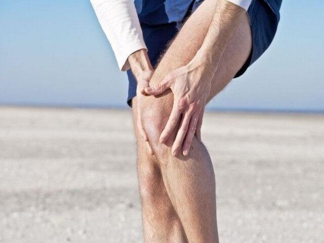 Болят мышцы ног выше колен и ягодицы: причины и лечение