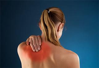 Плечелопаточный периартрит: симптомы и лечение народными средствами в домашних условиях
