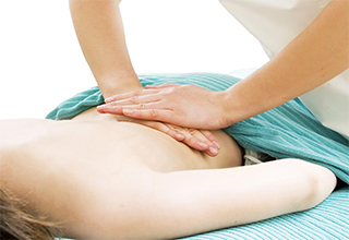 Как правильно делать массаж поясницы при грыже